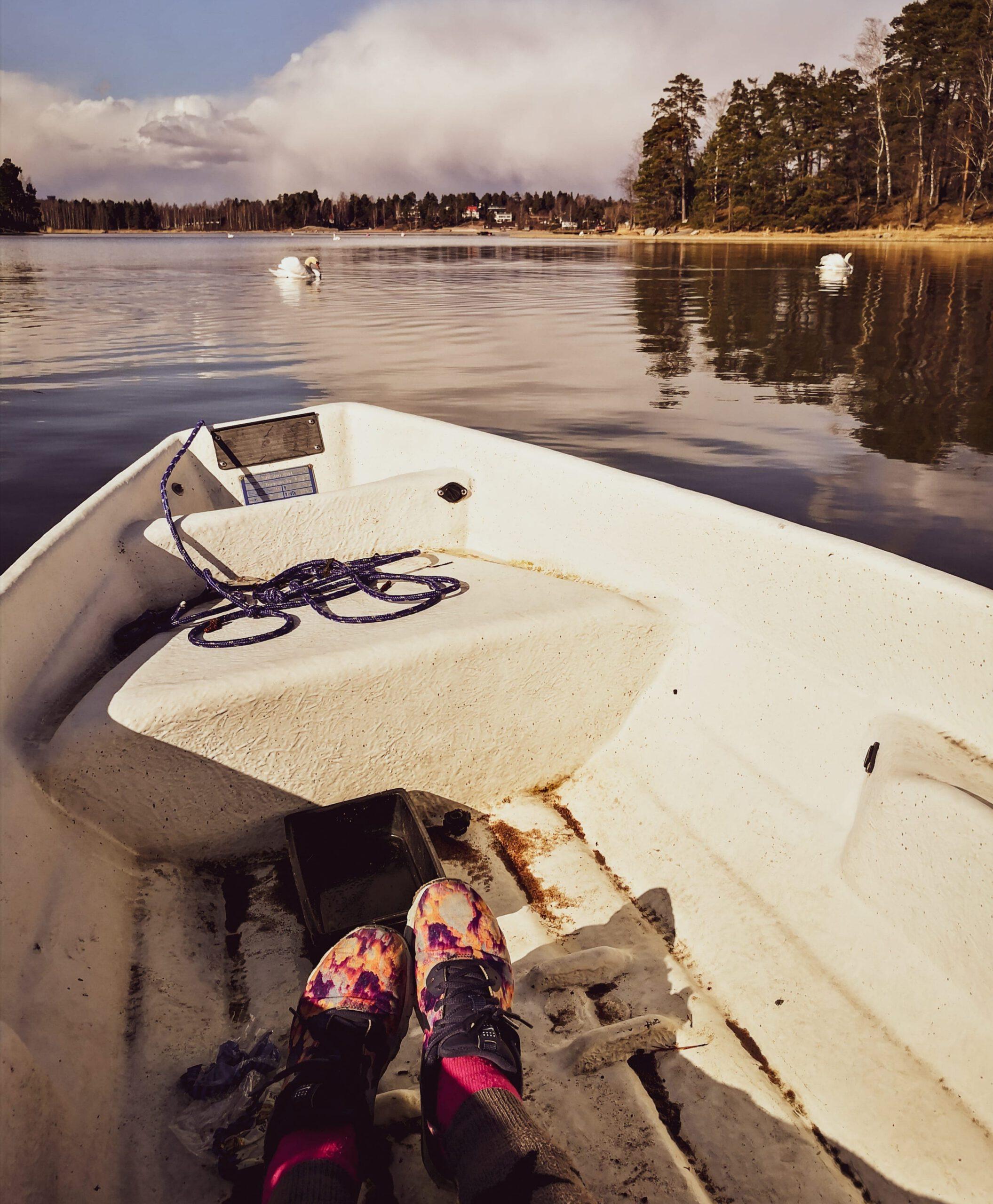 Soutuveneellä Helsingissä.
